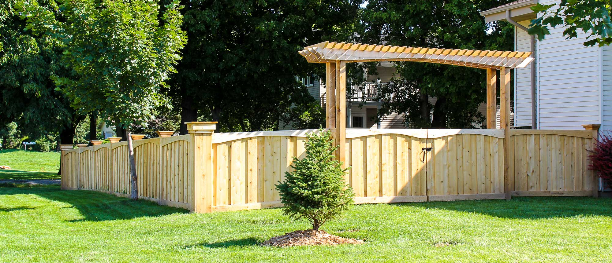 Yutka Fence Installation Amp Repair Milwaukee Amp Kenosha Wi